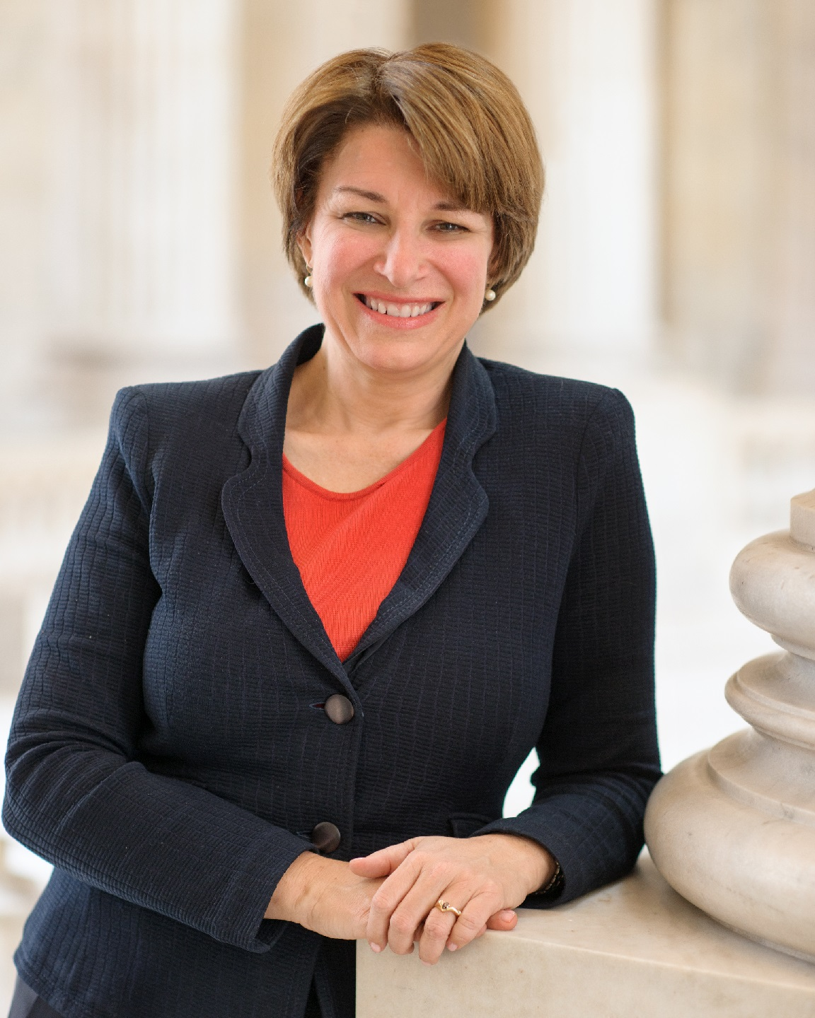 official klobuchar 2019.jpg